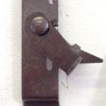 Antifurto a baionetta che impedisce il sollevamento della tapparella dall'esterno